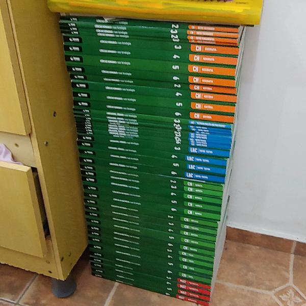 Livros didáticos hexag