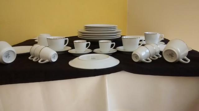 Maravilhoso jogo de jantar/ chá da marca schimdt fio de