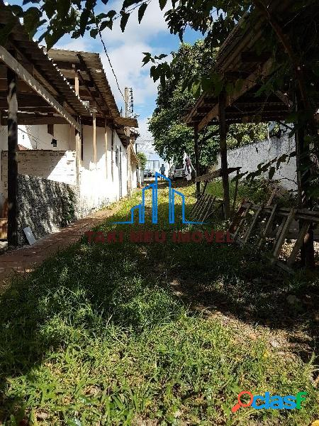 Vende terreno 12 x 45 com oito casas para investidor locadas.
