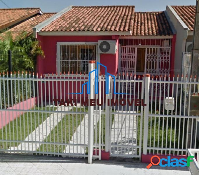 Vendo casa reformada e mobiliada na zona sul de porto alegre, piso laminado