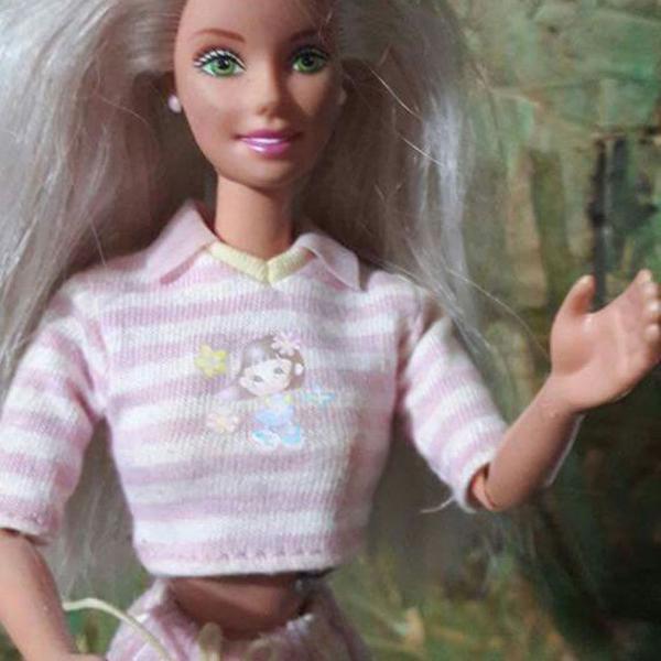 Barbie mattel rara babá