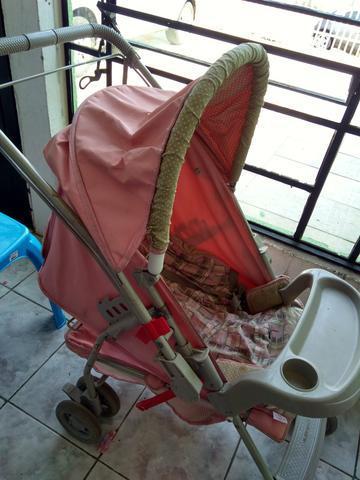Carrinho de bebê, berço, bebê conforto e cadeirão