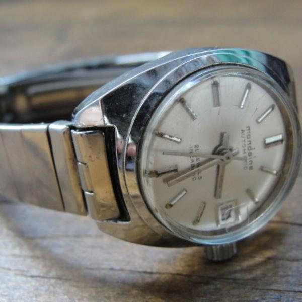 Relógio mondaine vintage
