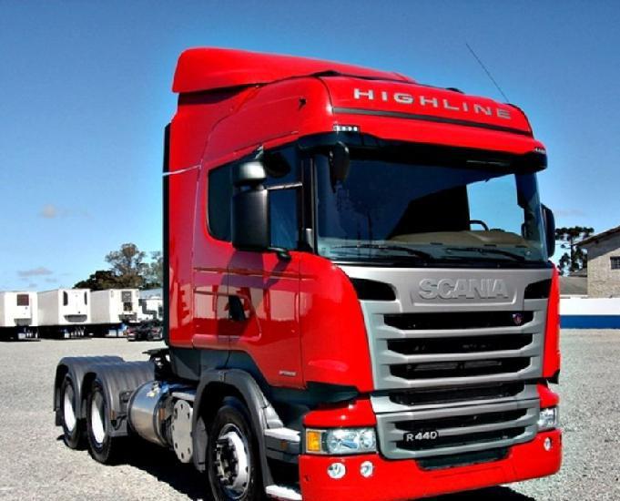 Scania r 440 6x2 highline truck 3 eixo ano e modelo 17