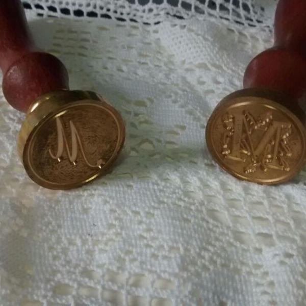 Sinete / selo vintage - letra floral ou a mão