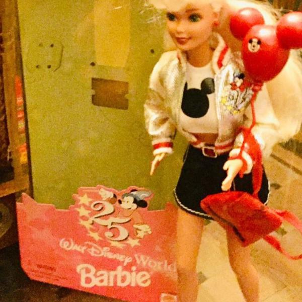 Boneca barbie 25 anos disney world colecionador