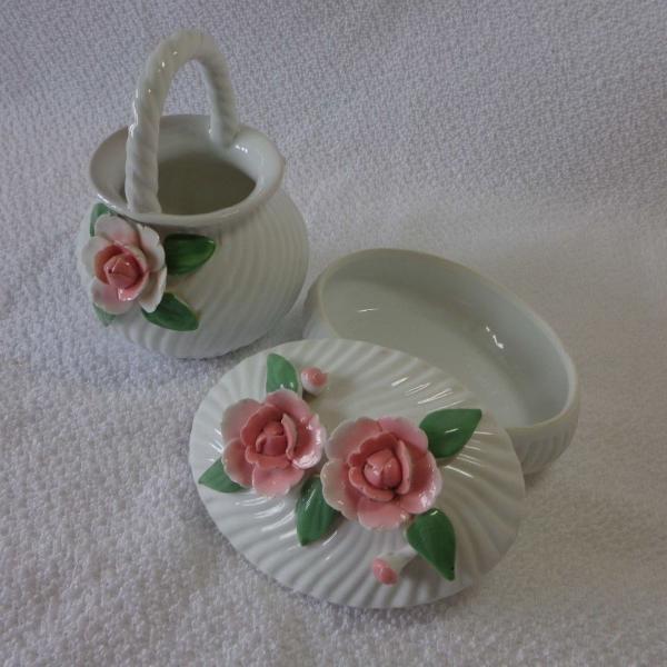 Conjunto em porcelana decorado