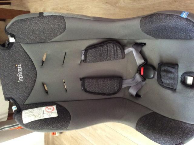 Cadeirinha infantil automotiva