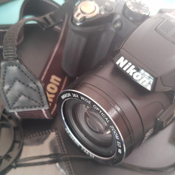 Câmera nikon coolpix p 500