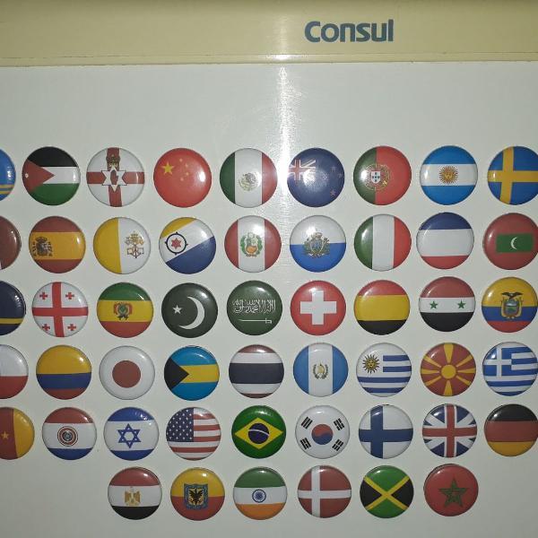Kit 56 botons imã geladeira bandeiras países turismo 2,5