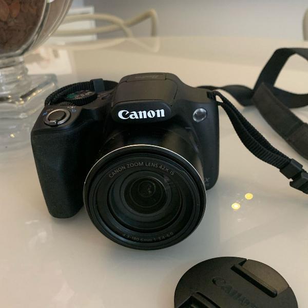 Máquina fotográfica marca canon