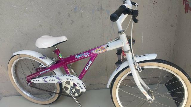 Bicicleta aro 20 caloi poderosas semi nova
