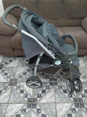 Carrinho de bebê burigotto pouco usado