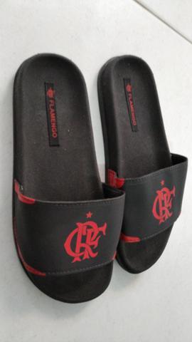 Sandálias slide