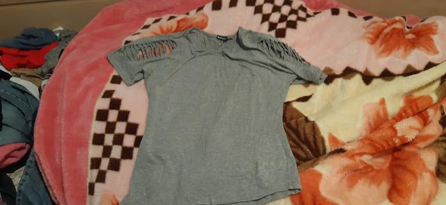Vendo roupas usadas em bom estado