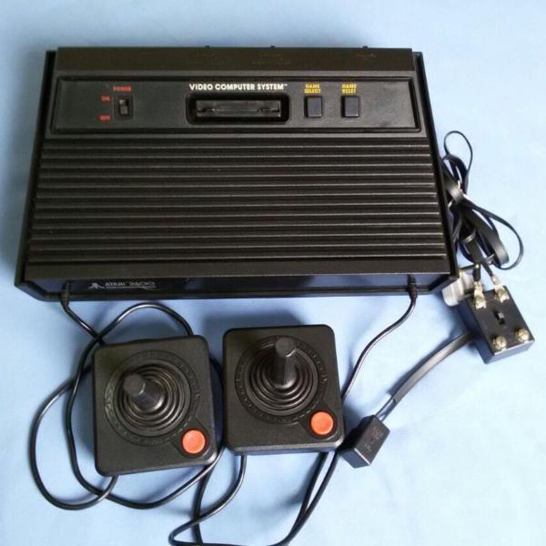 Atari 2600 + 28 jogos!!!