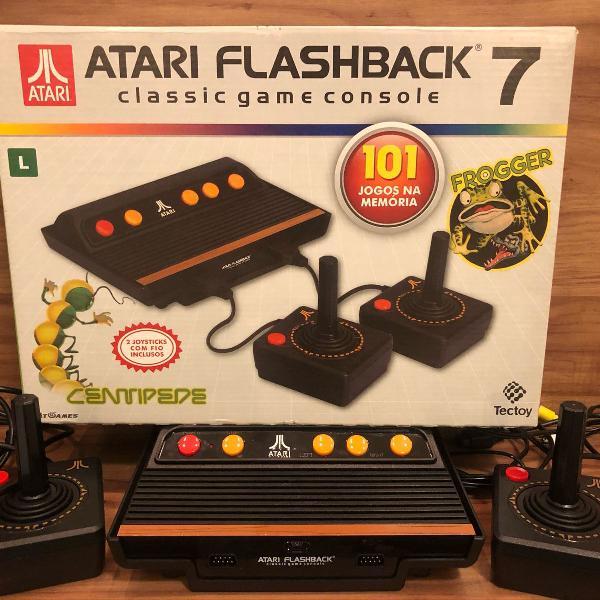 Atari flashback 7 na caixa