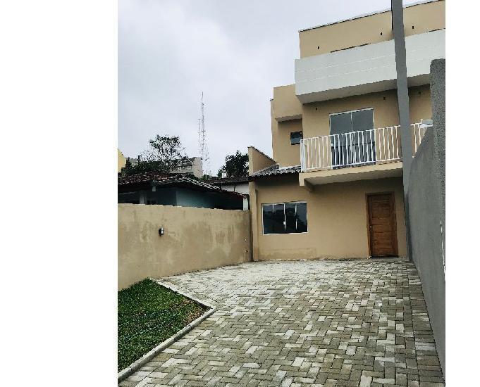 Casa triplex com terraço no bairro pilarzinho