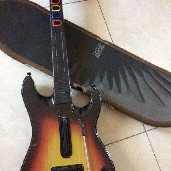 Guitarra e skate do playstation 3