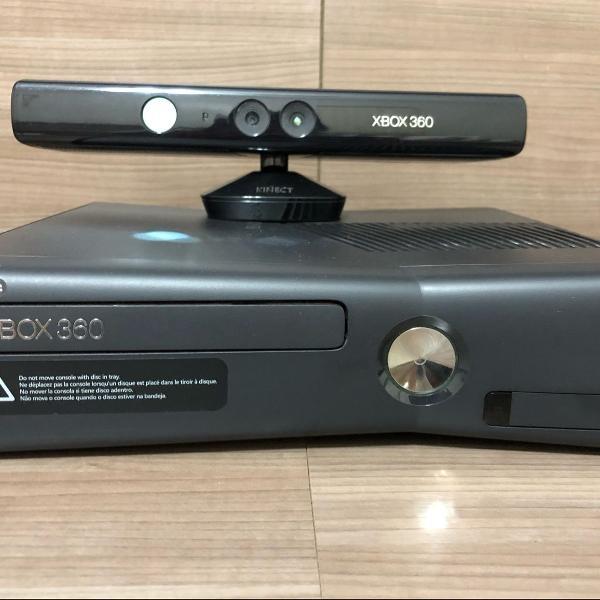 Xbox 360 pouco usado