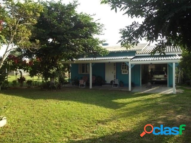 Casa nova de Alvenaria com 111m², Condomínio junto a RS 040, Morro Grande 2