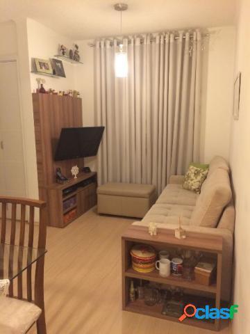 Apartamento todo reformado com excelente localização