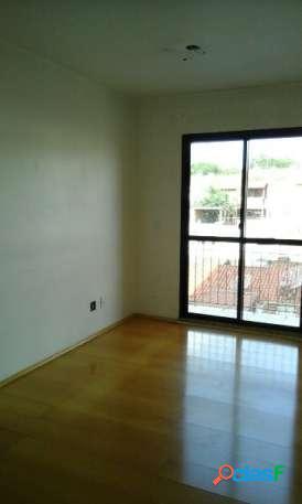 Apartamento semi novo ótima localização