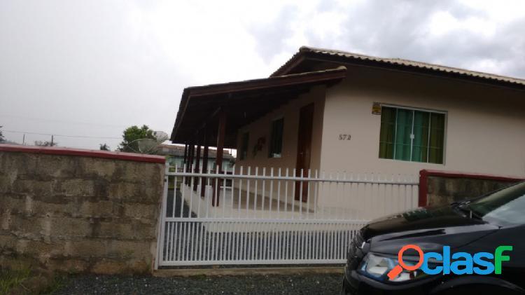 Linda casa com grande terreno em Piçarras SC 1