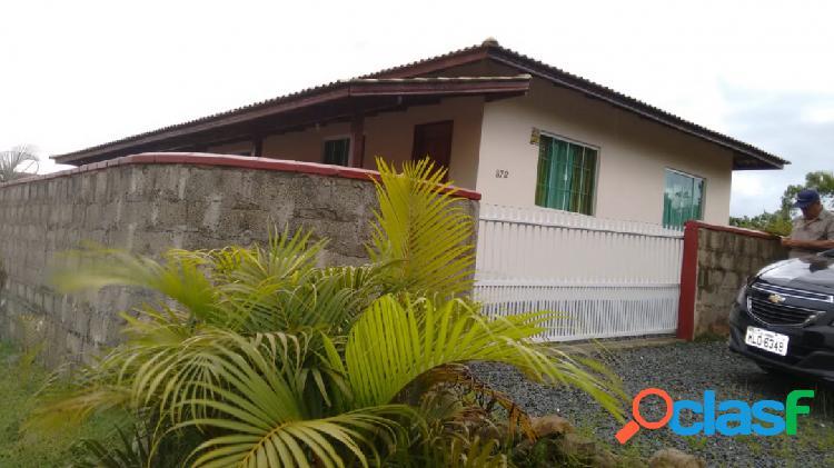 Linda casa com grande terreno em Piçarras SC 2