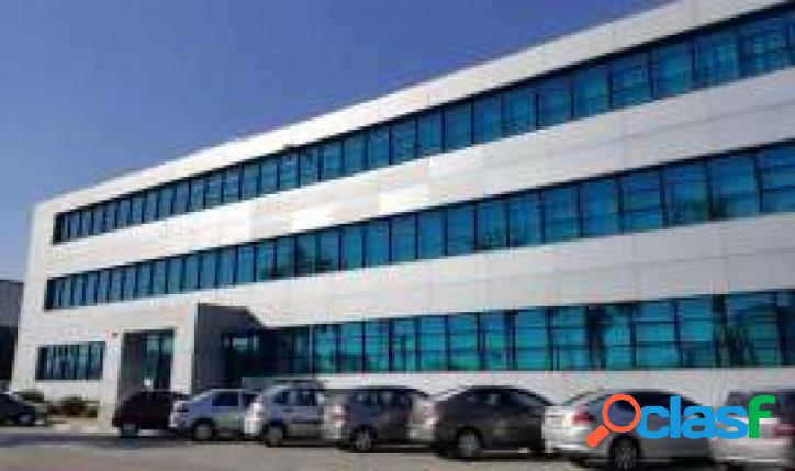 Canindé imóvel comercial com frente para a marginal tietê, com 3879 m² const. e 10.563m² de terreno.