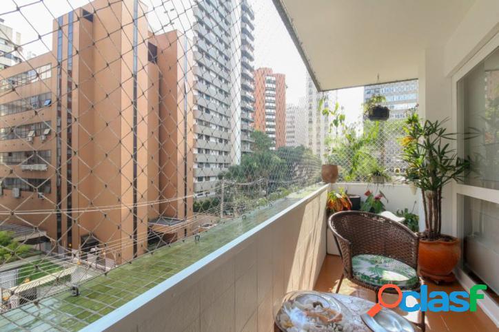 Rua tranquila - parte plana dos jardins - 200 m² - 2 vagas
