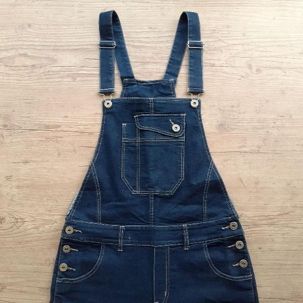 Macacão jeans estilosão