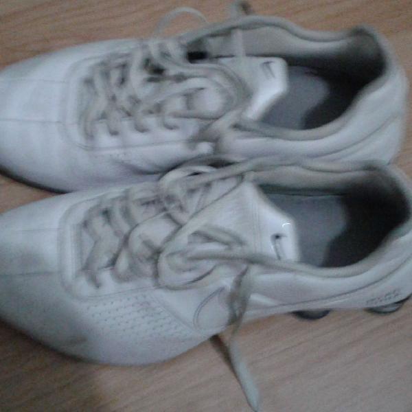 Nike shox branco tamanho 42 novo só está sujo usado