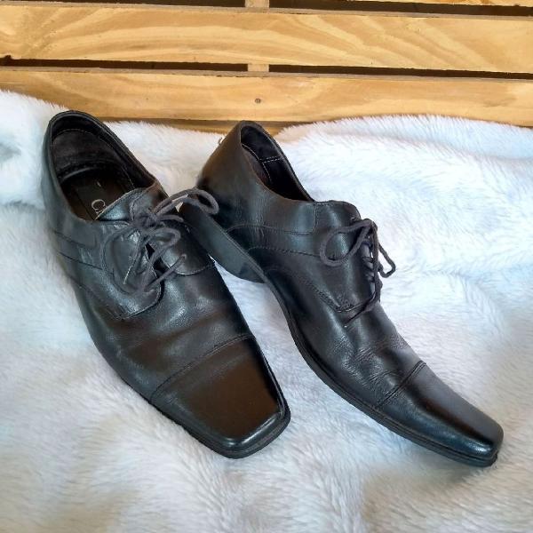Sapato esporte social em couro