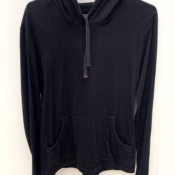 Camiseta reserva manga longa preta com capuz blusa canguru
