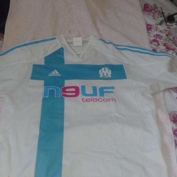 Vendo duas camisas times futebol internacional