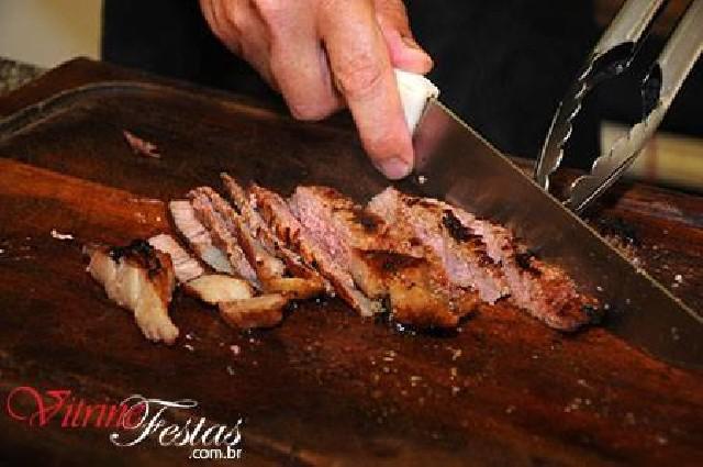 Buffet de churrasco e serviços de churrasqueiro