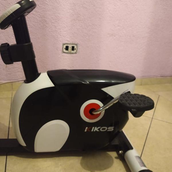 Bicicleta ergométrica magnética horizontal kiko's