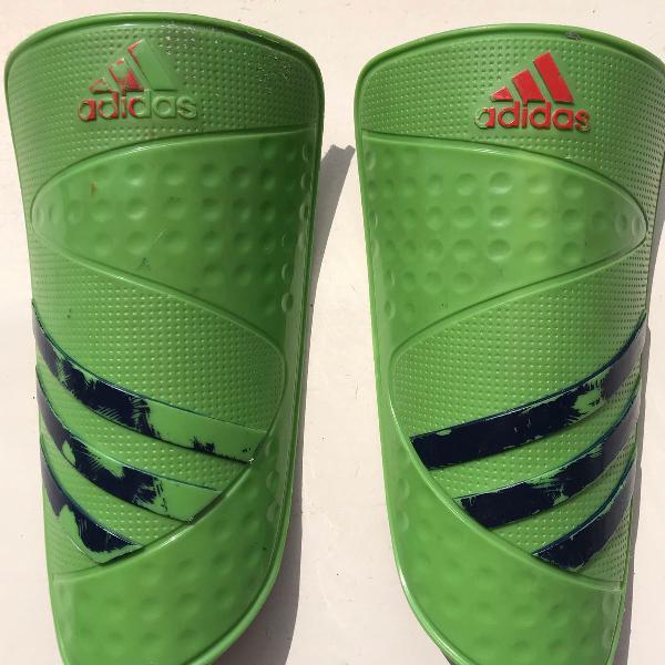 Caneleira adidas f50 futebol