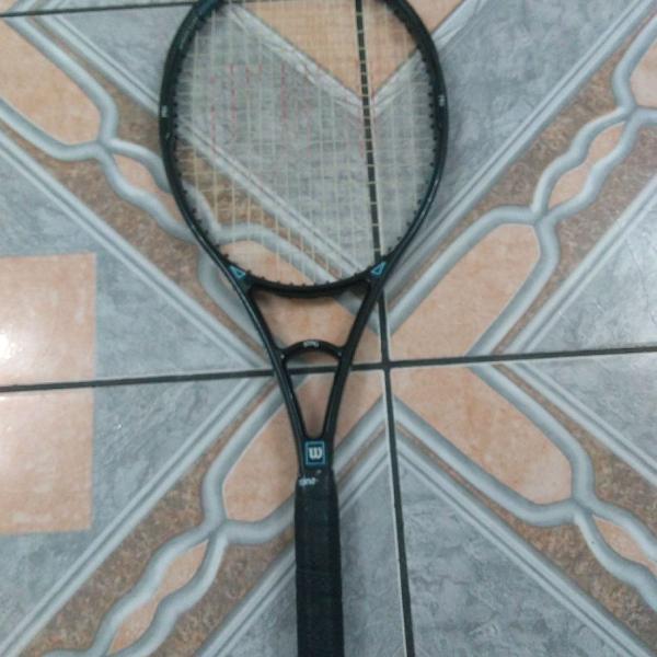 Raquete de tênis wilson sting