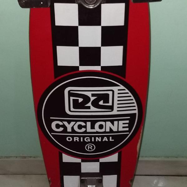 Skate cyclone
