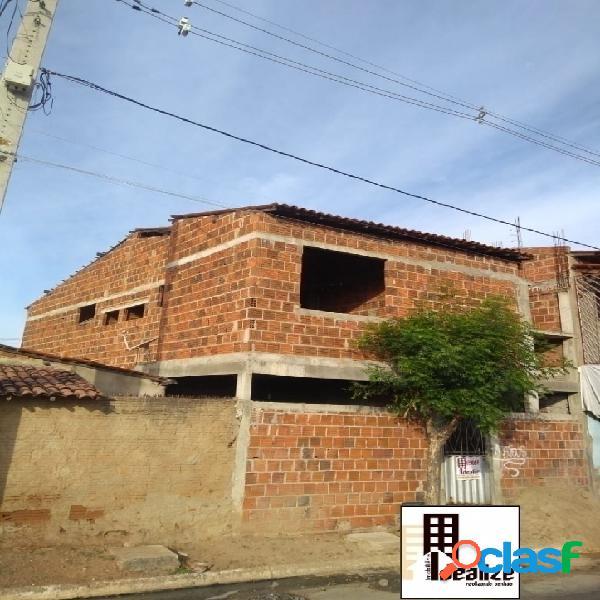 Vende se casa duplex no bairro Abolição 4 1