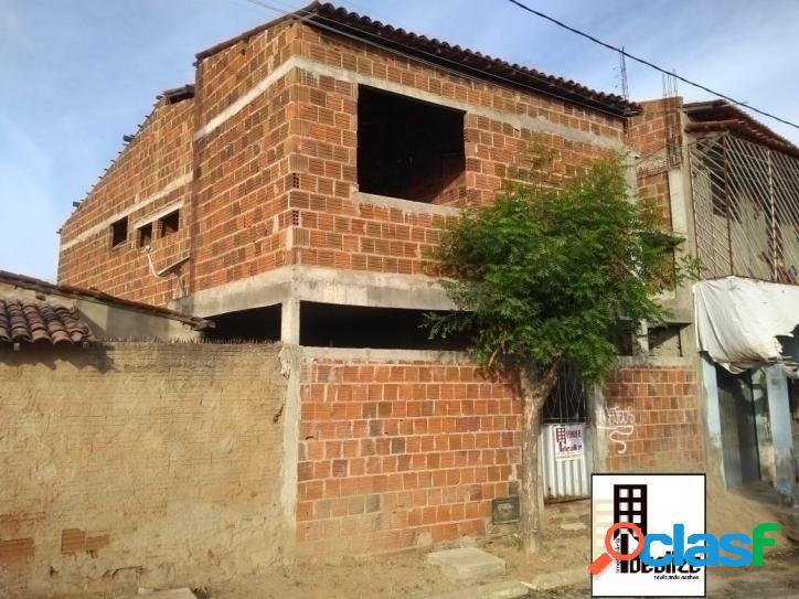 Vende se casa duplex no bairro Abolição 4 3