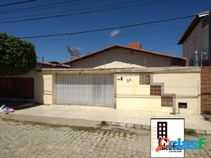 Vende se ótima casa no bairro abolição ii