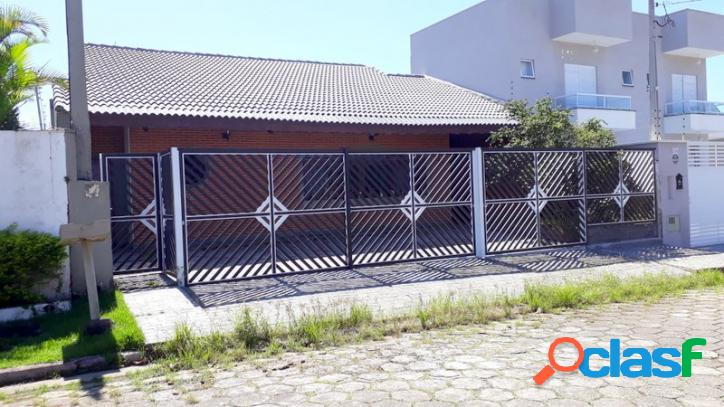 Casa para temporada, 3 dormitorios - 200 mts da praia - bai