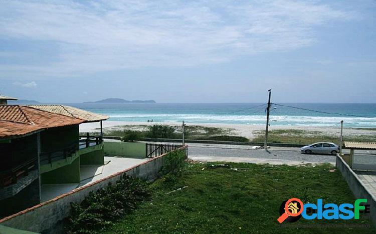 Linda casa no foguete com vista para o mar