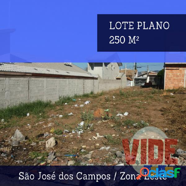 Lote residencial com 250 m², em localização privilegiada na região do Novo Horizonte, em SJC