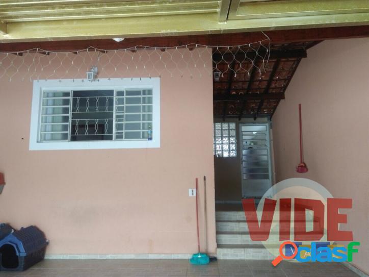 Jardim Mariana: Casa térrea com 3 dormitórios (1 suíte), 2 vagas, 90 m²