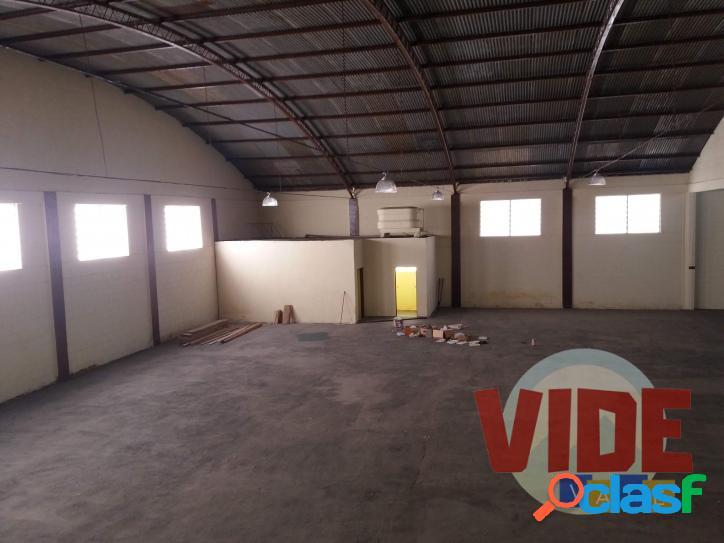 Galpão com 850 m² ac, 1500 m² de terreno, no chácaras reunidas