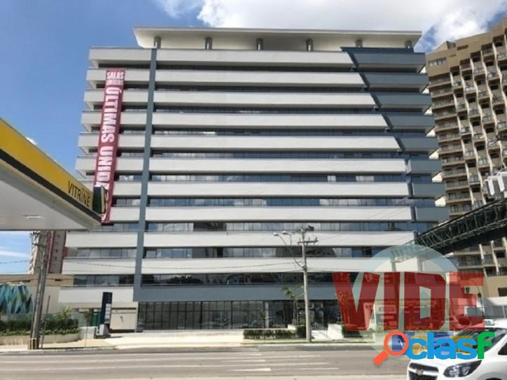 Sala comercial c/ 44 m²; torre c/ fachada moderna, excelente localização